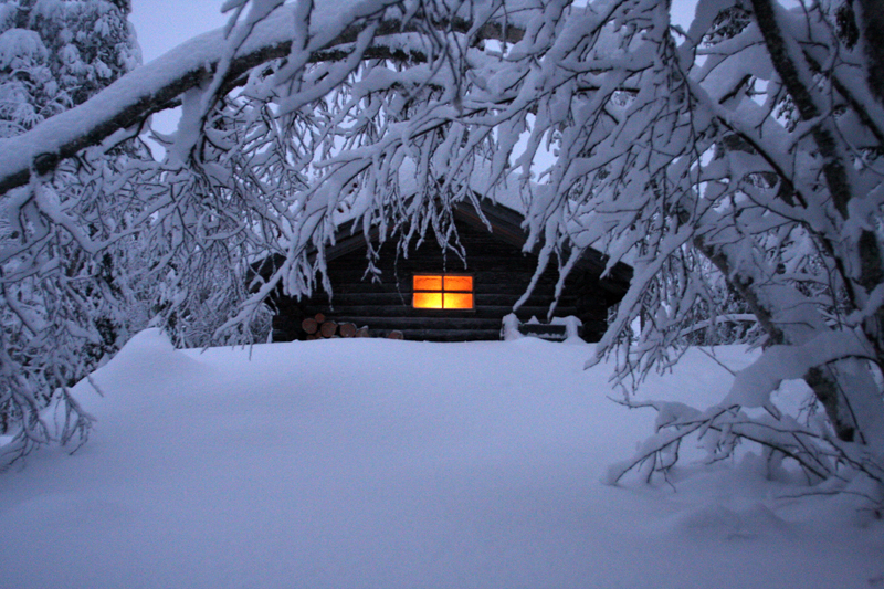 Wilderness-cabin-in-snow