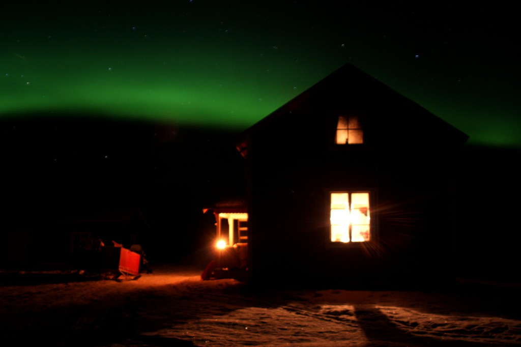 Northern Lights over Spiken Cabin Photo CreActive Adventure