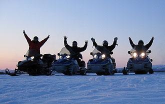 Snowmobile-team-CreActive-Adventure1